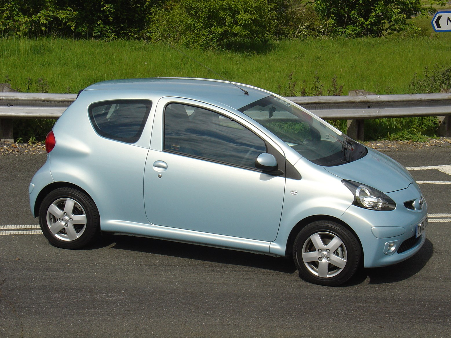 toyota aygo hatchback 2005 owner review car reviews. Black Bedroom Furniture Sets. Home Design Ideas