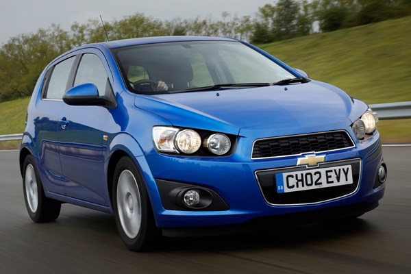 Chevrolet Aveo Hatchback Review 2011 2015 Parkers