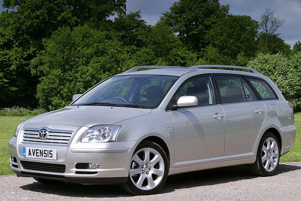 Toyota avensis tourer review