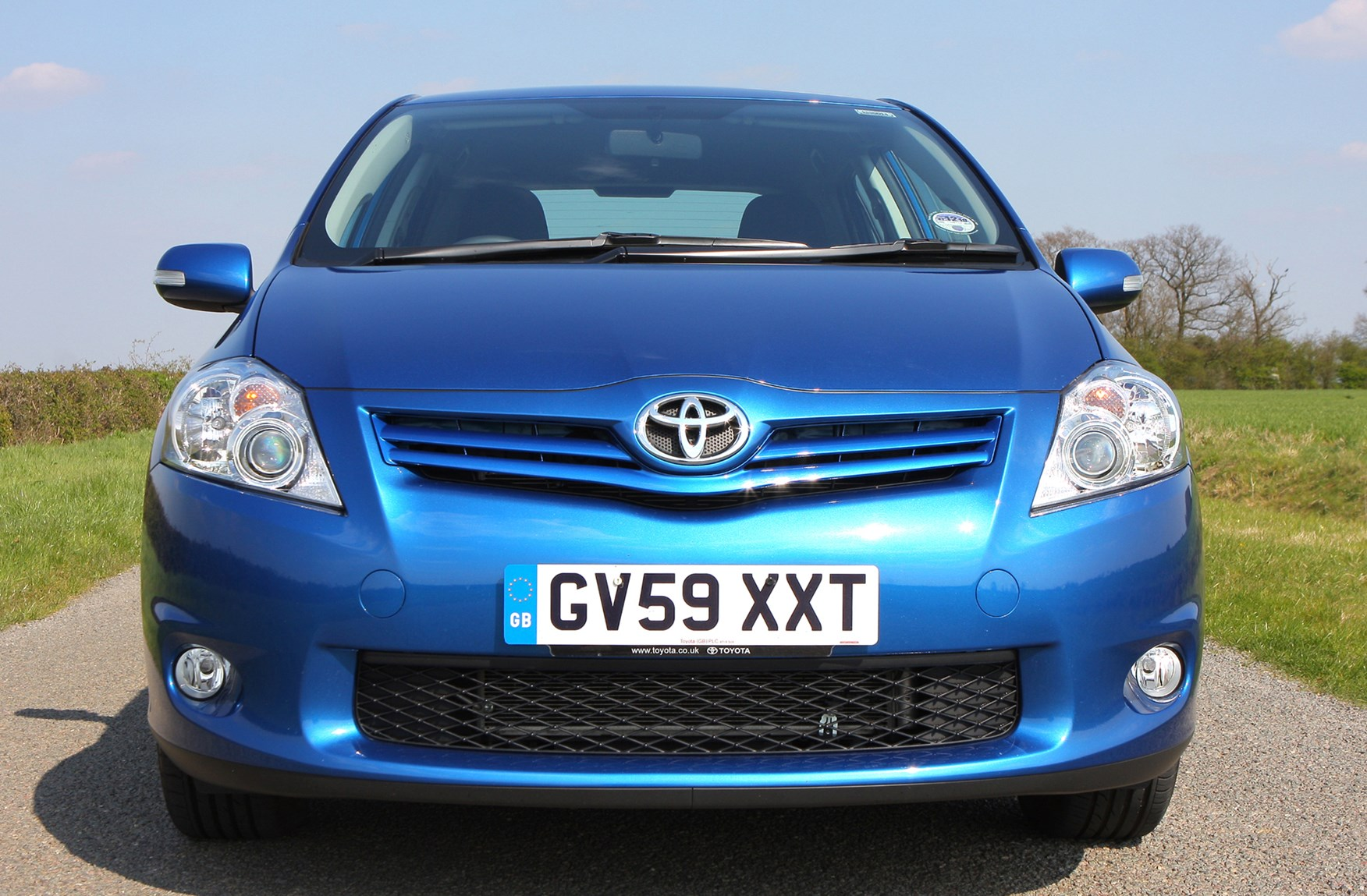 toyota auris hatchback 2007 2013 photos parkers. Black Bedroom Furniture Sets. Home Design Ideas