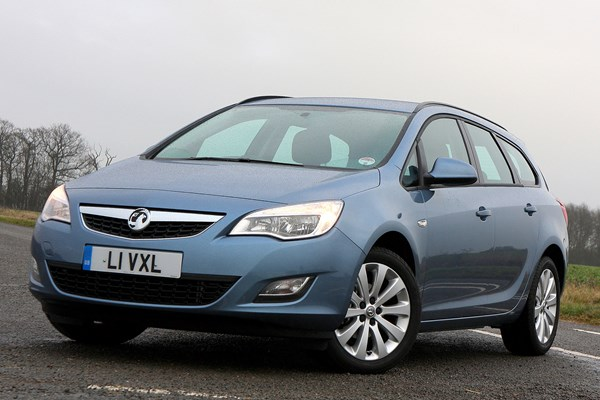 Vauxhall Astra Sports Tourer (2010 - 2015) Used Prices