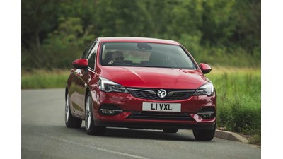 Vauxhall Astra Hatchback SE 1.5 Turbo D (122PS) (09/19-on) 5d