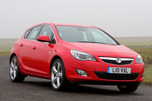 Vauxhall Astra Hatchback (2009 - 2015) Used Prices