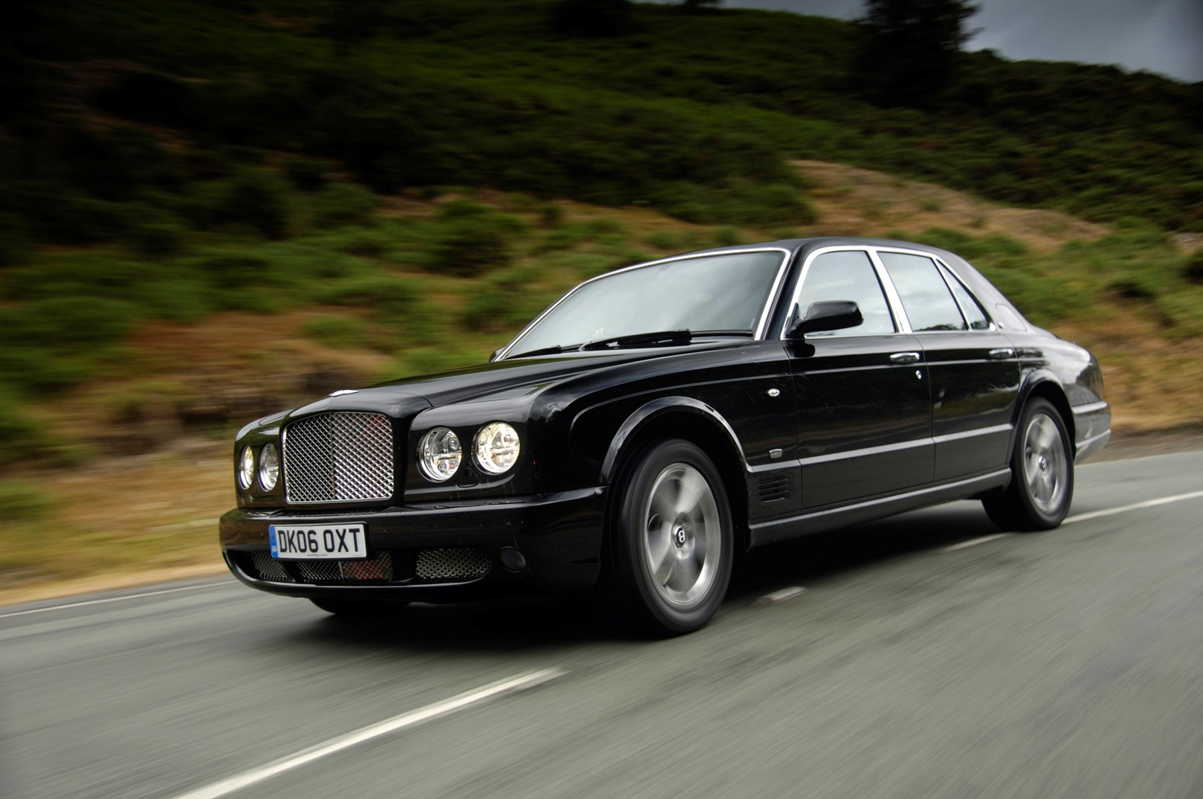 Bentley arnage saloon review 1998 2009 parkers view all images of the bentley arnage 98 09 vanachro Image collections