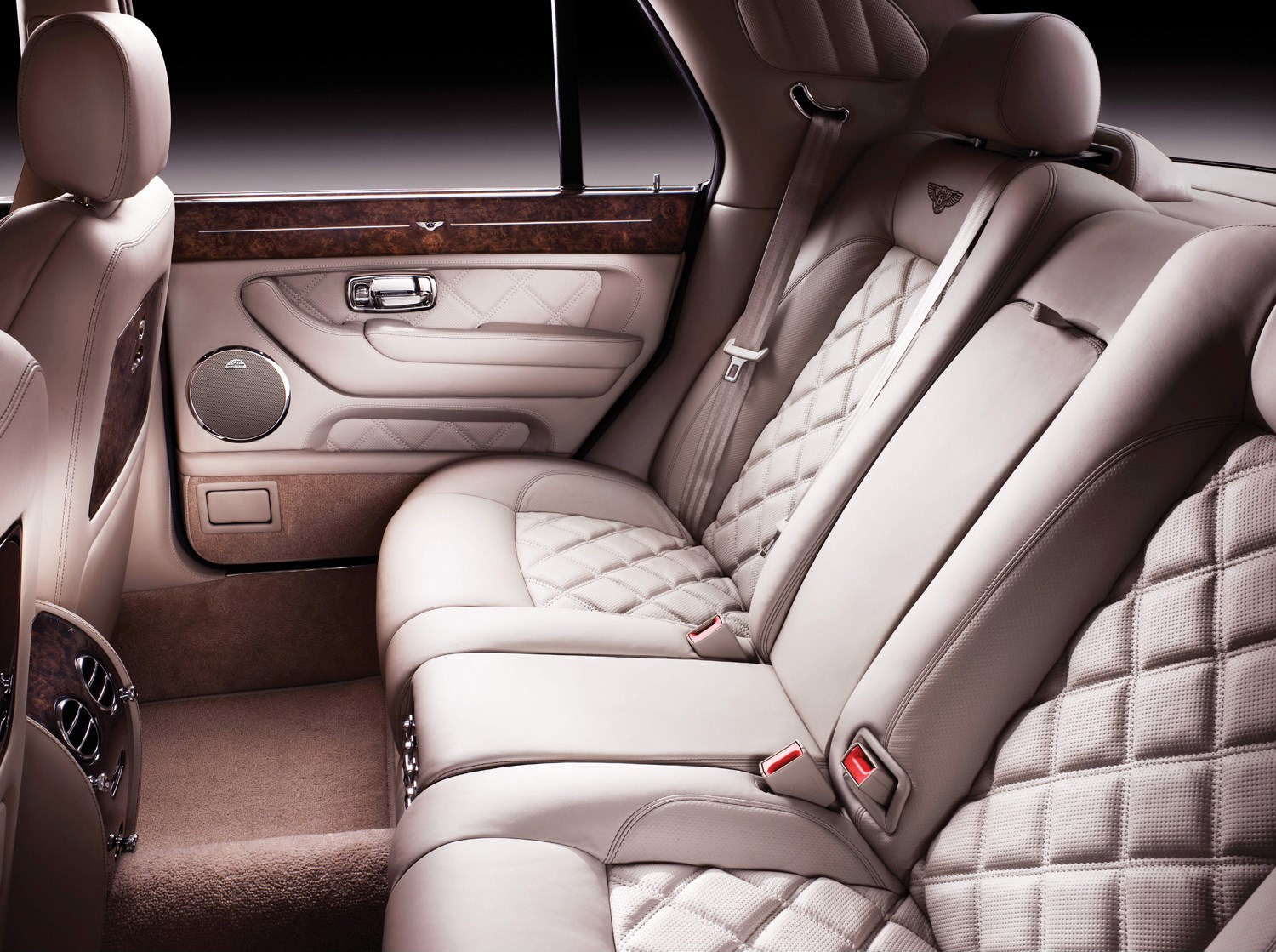 Bentley arnage saloon review 1998 2009 parkers view all images of the bentley arnage 98 09 vanachro Choice Image