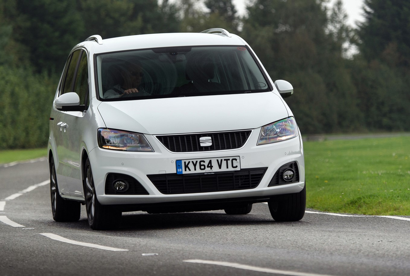 seat alhambra estate 2010 photos parkers. Black Bedroom Furniture Sets. Home Design Ideas