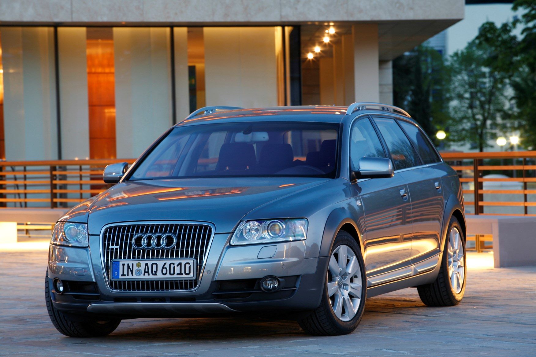 audi a6 allroad 2006 2011 photos parkers. Black Bedroom Furniture Sets. Home Design Ideas
