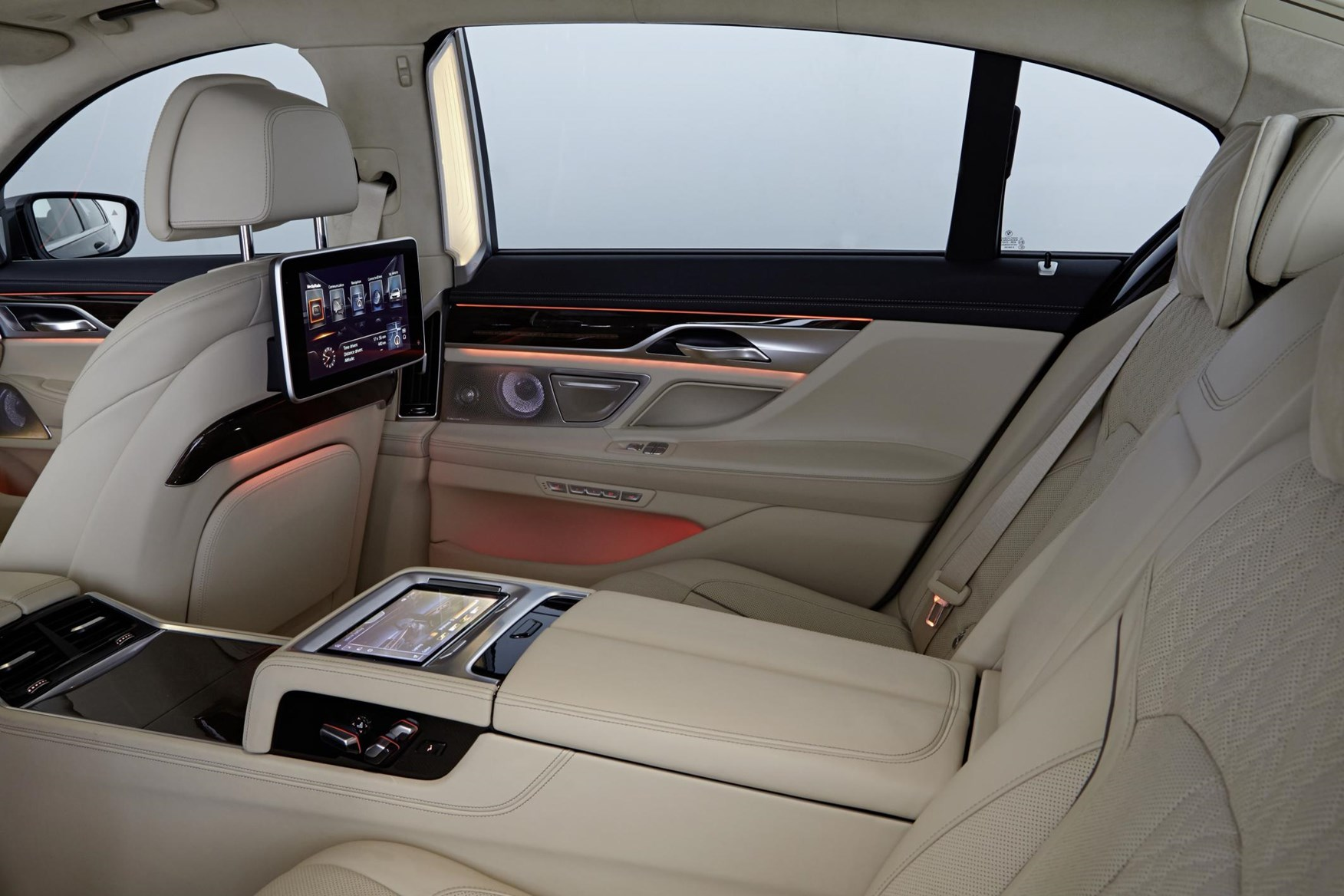 View All Images Of The BMW 7 Series