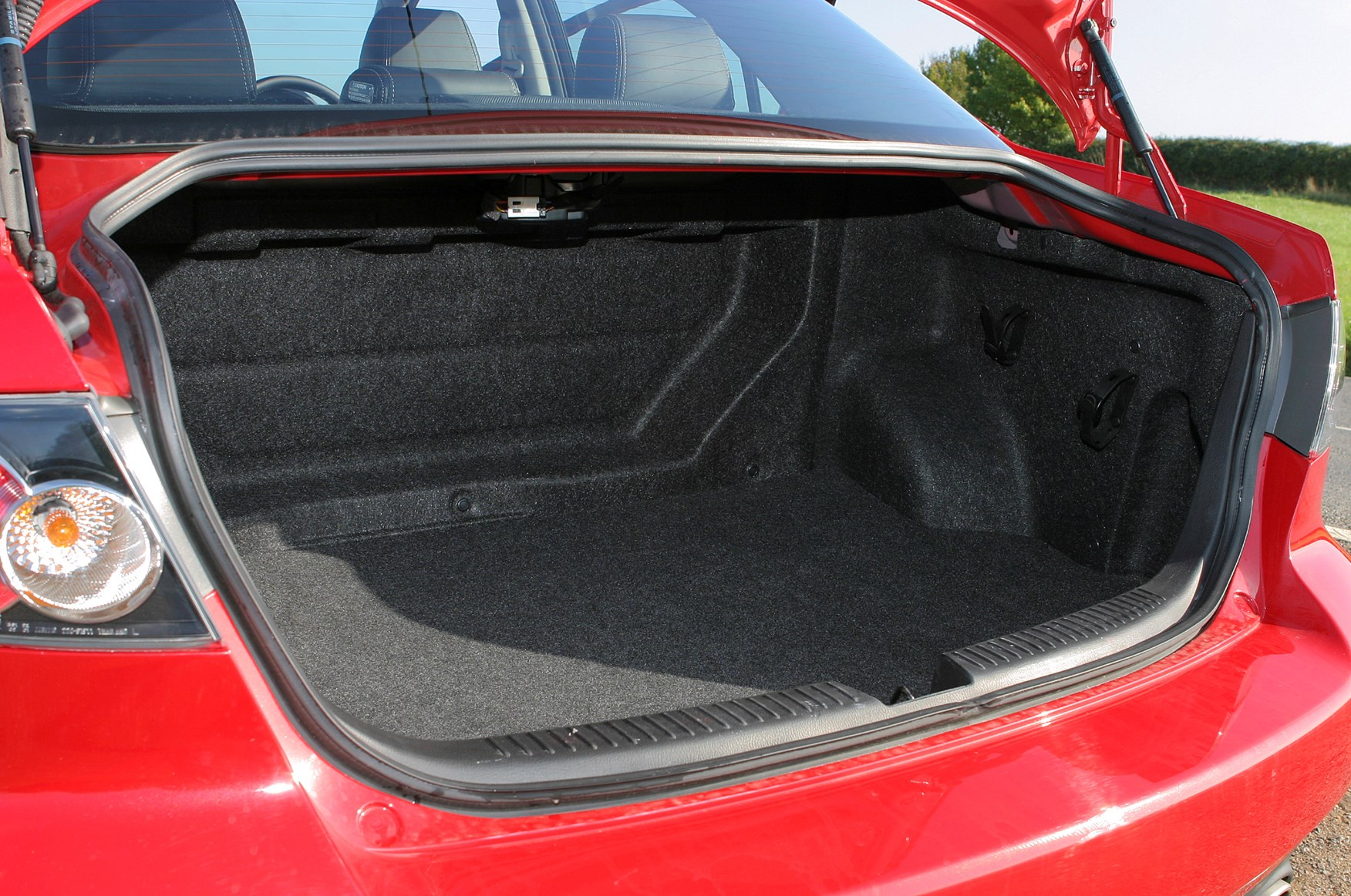 Mazda 6 MPS 2006  2007 Features Equipment and Accessories