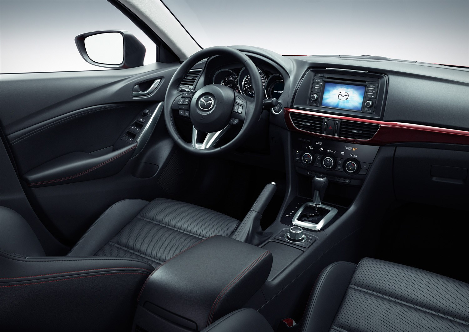 https://parkers-images.bauersecure.com/pagefiles/202906/interior-detail/mazda6_wagon_paris(10).jpg