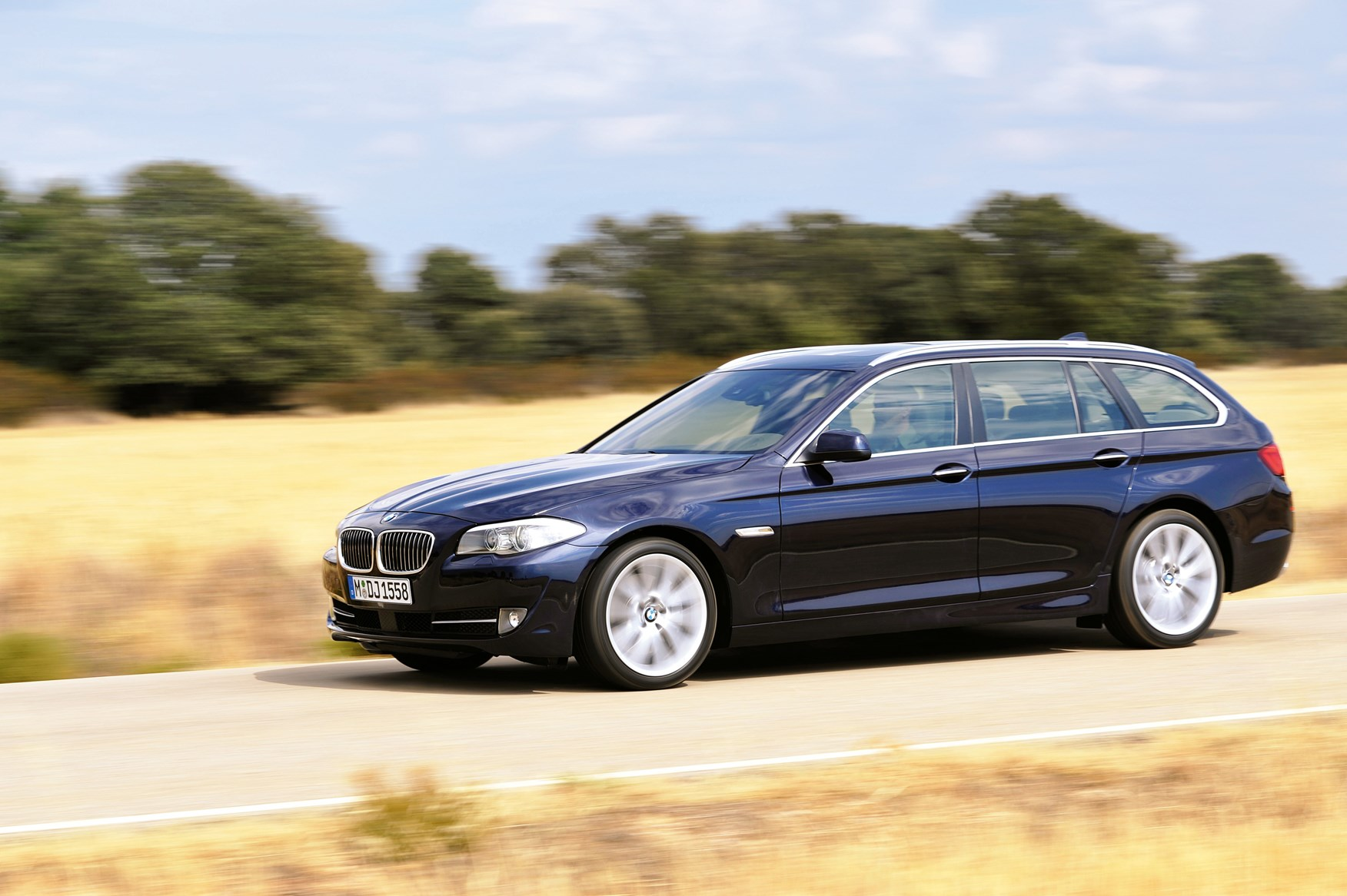 Pics photos bmw 520d estate bmw 520d touring review 2010 - View All Images Of The Bmw 5 Series Touring 10 17