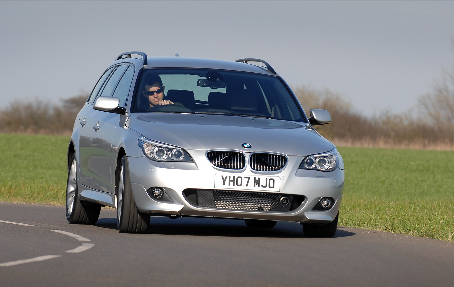 View All Images Of The BMW 5 Series Touring 03 10