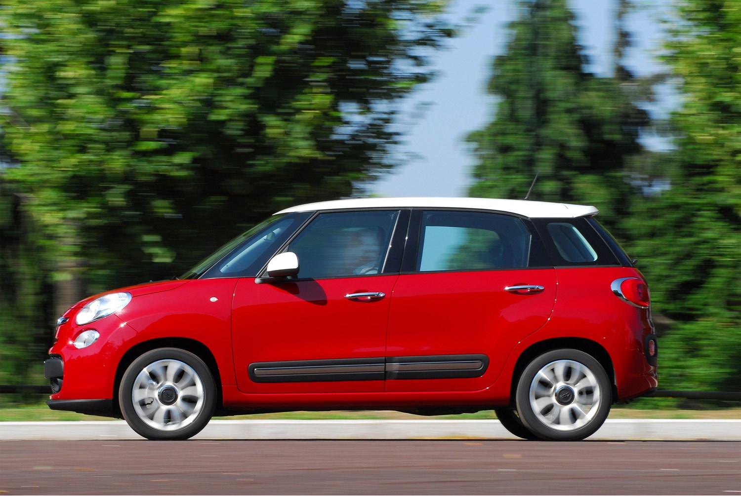 fiat 500l hatchback 2012 photos parkers. Black Bedroom Furniture Sets. Home Design Ideas