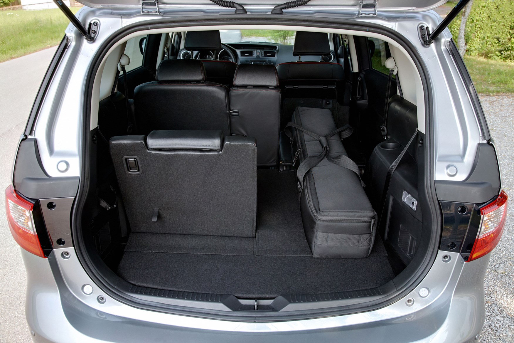 mazda 5 estate review 2010 2015 parkers. Black Bedroom Furniture Sets. Home Design Ideas