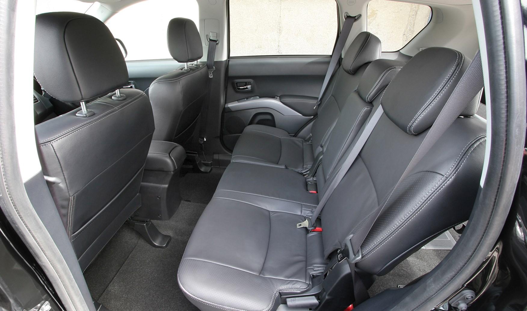 peugeot 4007 hatchback 2007 2012 driving performance. Black Bedroom Furniture Sets. Home Design Ideas
