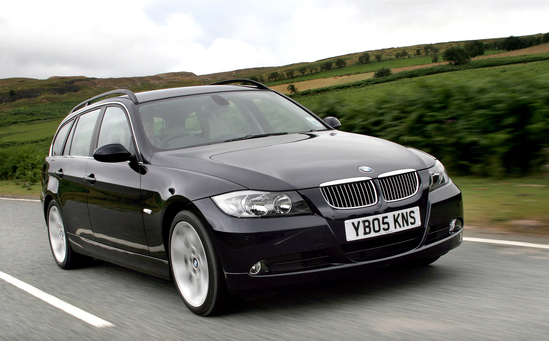 bmw 3 series touring 2005 2012 driving performance parkers. Black Bedroom Furniture Sets. Home Design Ideas