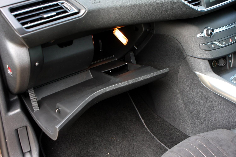 Peugeot 307 Fuse Box For Sale : Peugeot hatchback  photos parkers