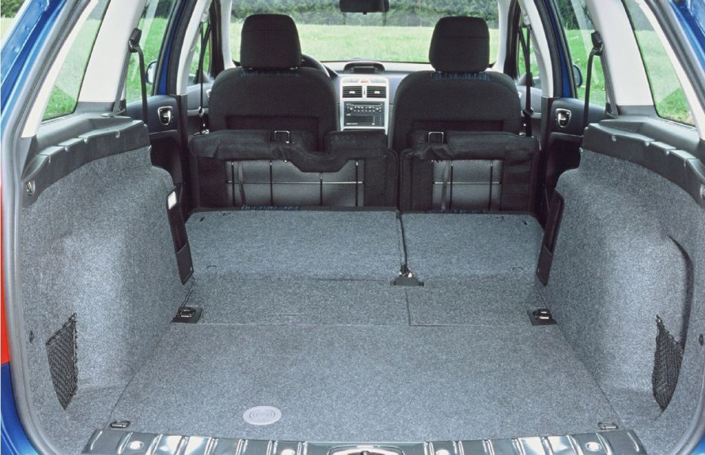 peugeot 307 estate 2002 2007 features equipment and accessories parkers. Black Bedroom Furniture Sets. Home Design Ideas