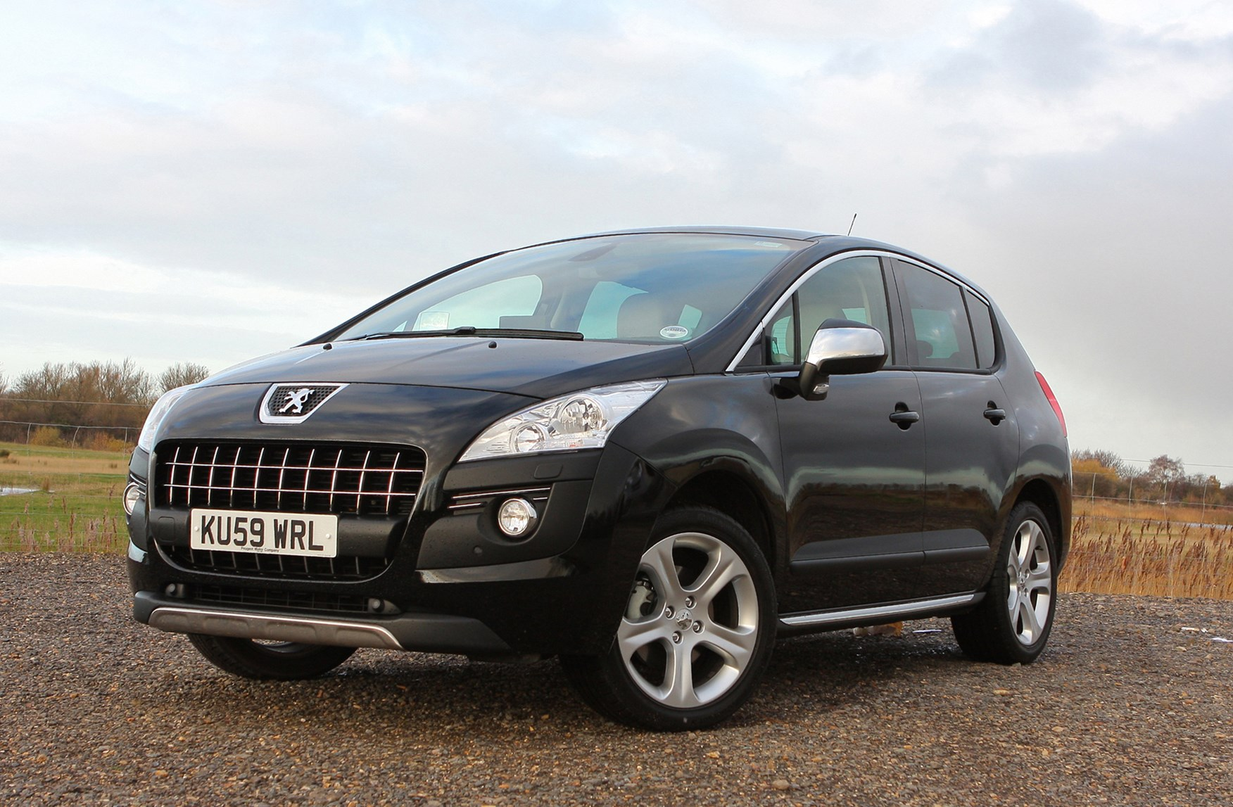 peugeot 3008 estate 2009 2016 features equipment and accessories parkers. Black Bedroom Furniture Sets. Home Design Ideas