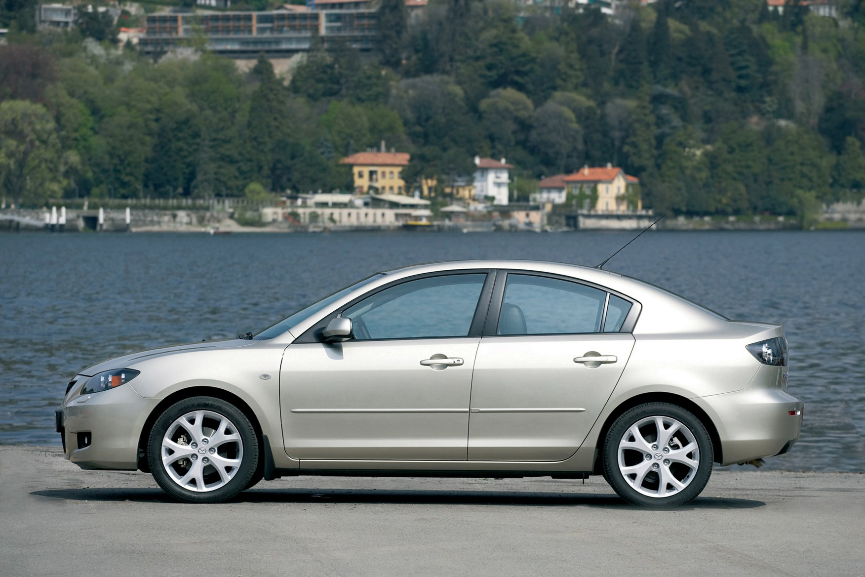 mazda 3 saloon 2004 2008 photos parkers. Black Bedroom Furniture Sets. Home Design Ideas