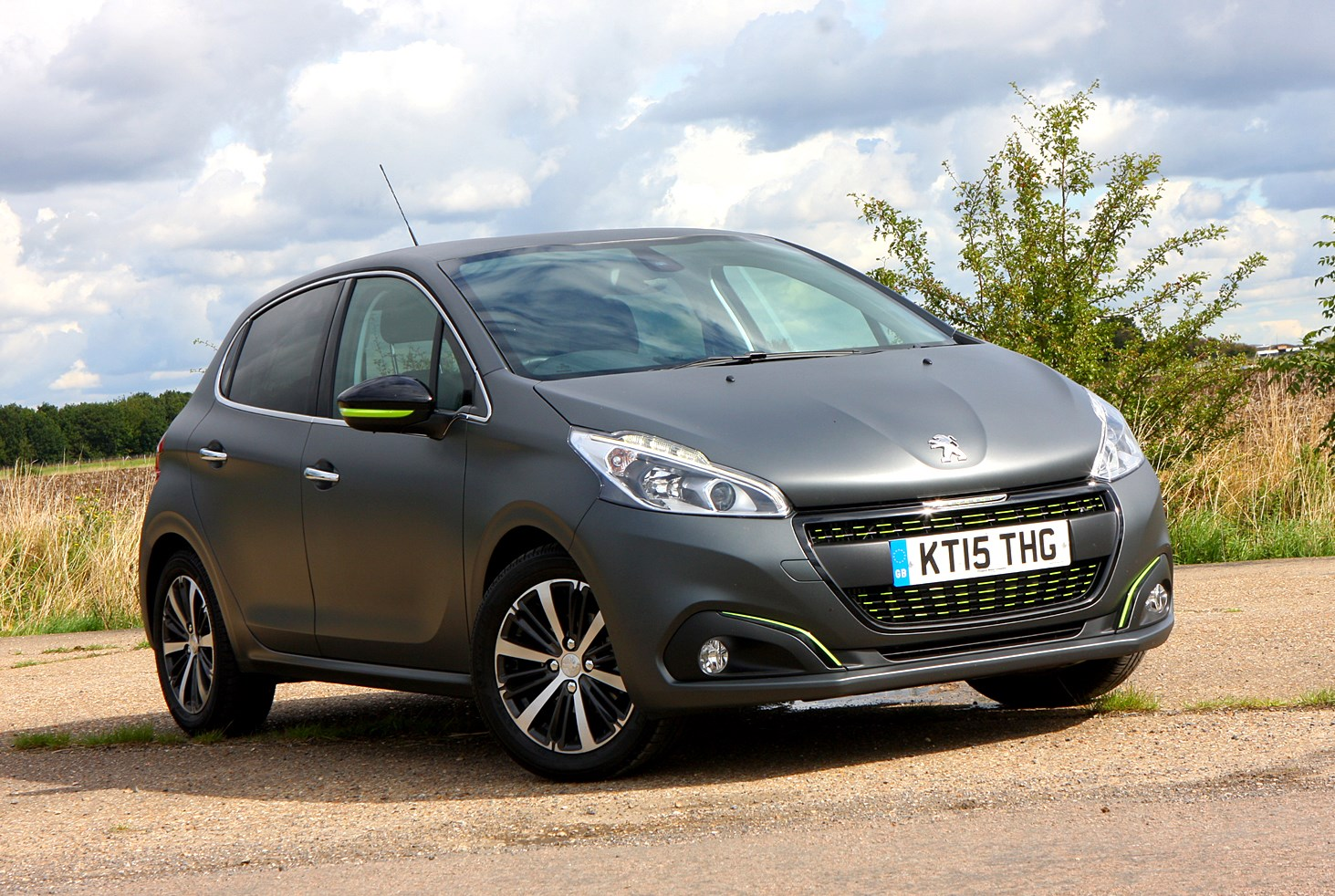 Peugeot 208 Hatchback (2012 - ) Photos