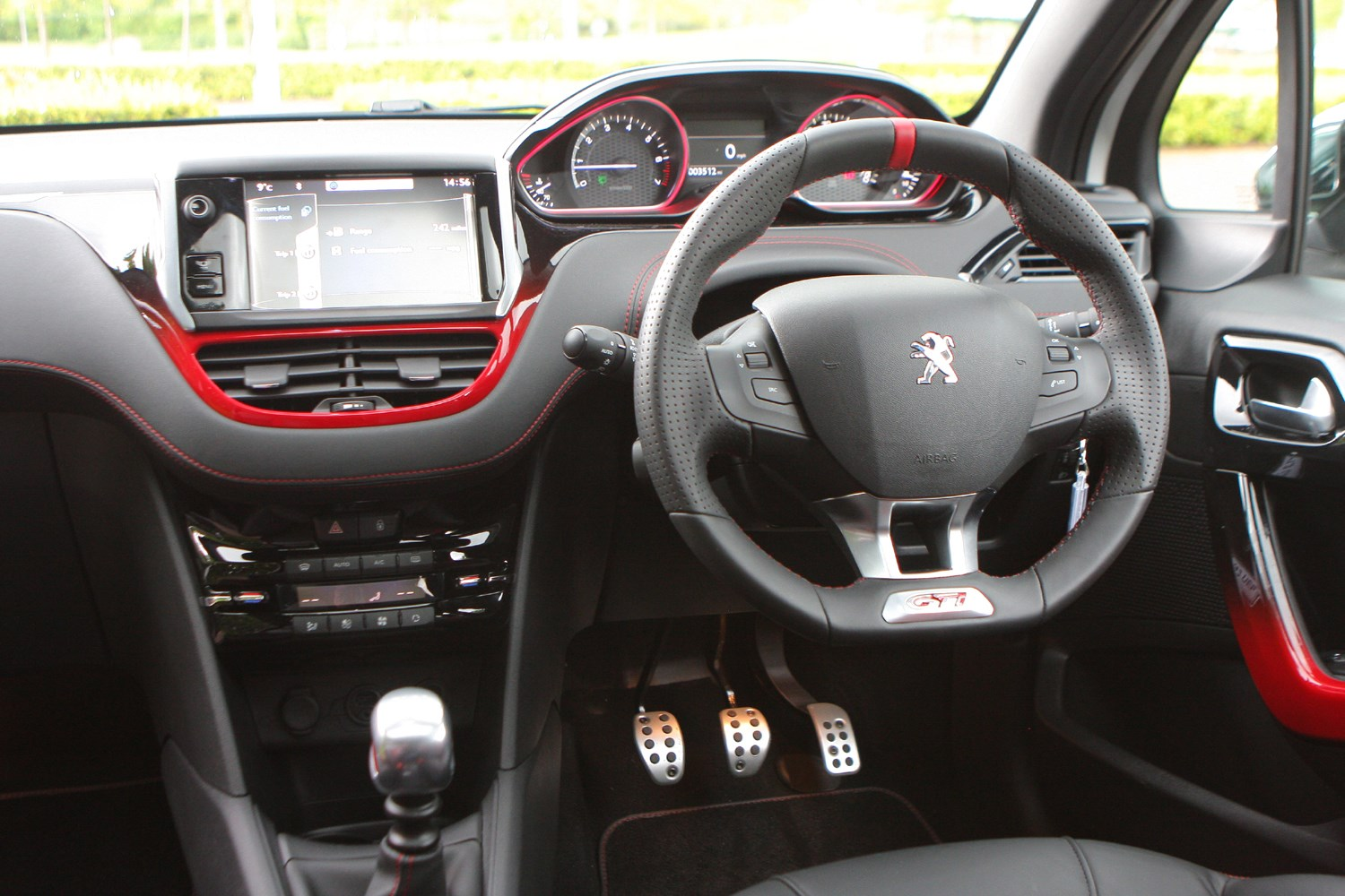 peugeot 208 gti 2012 features equipment and accessories parkers. Black Bedroom Furniture Sets. Home Design Ideas