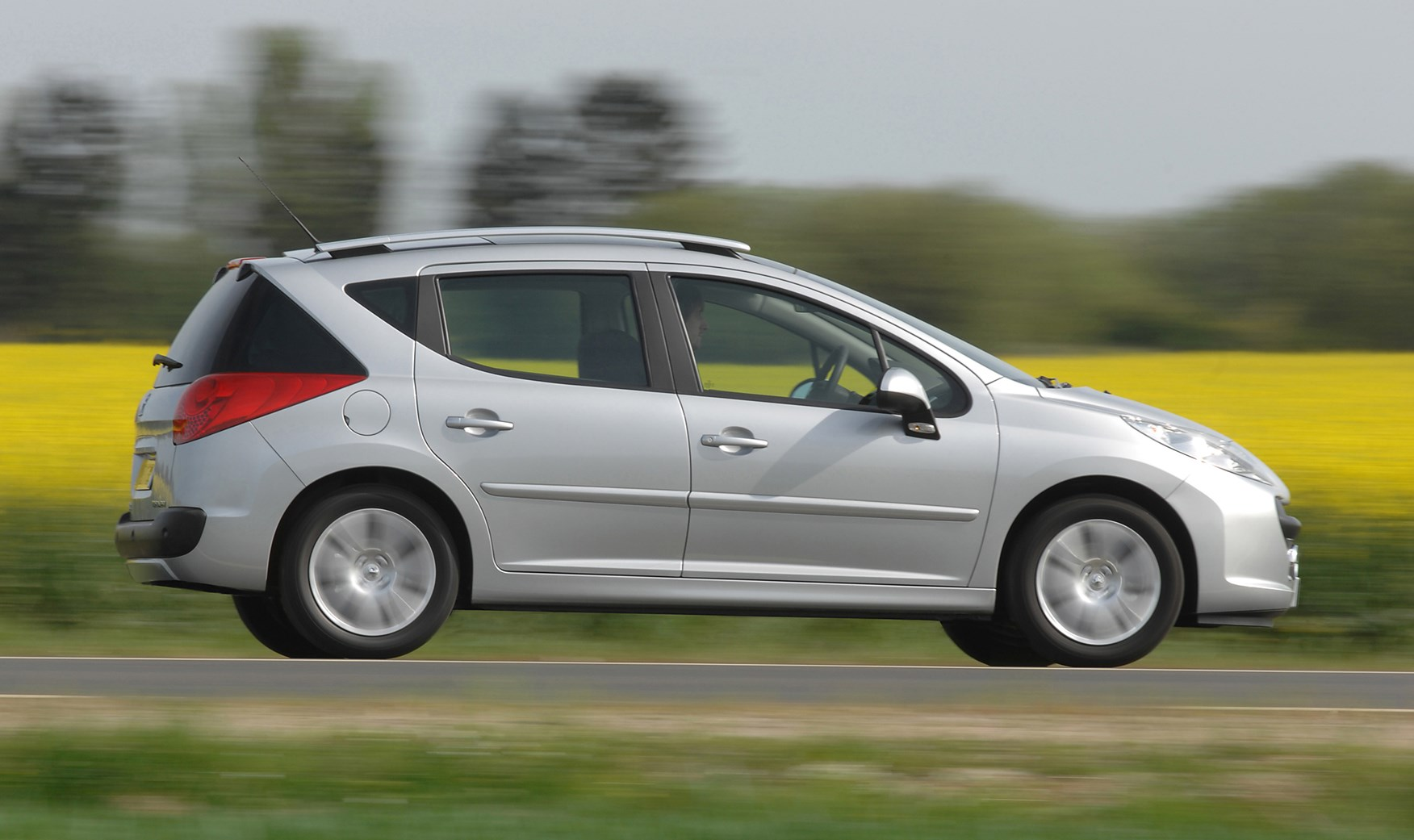 2010 Peugeot 207 SW RC specifications & stats 292380