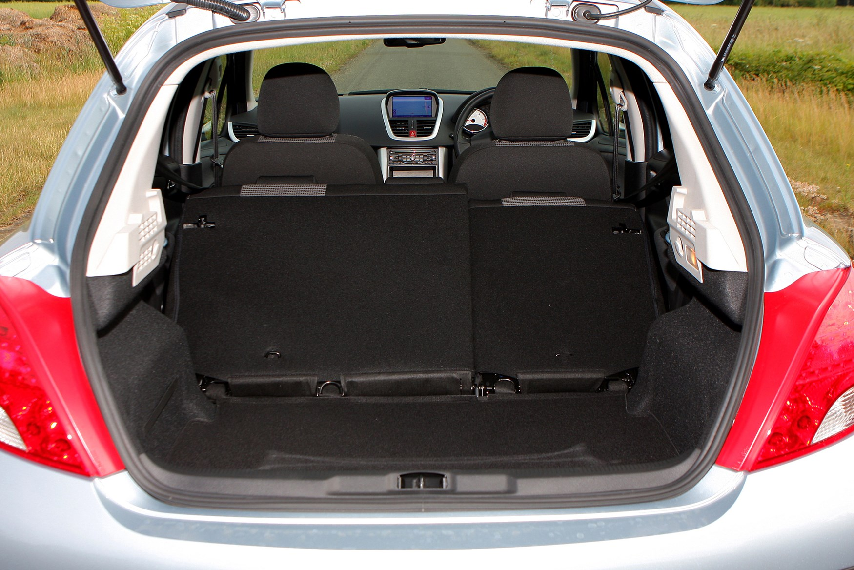 peugeot 207 hatchback 2006 2012 features equipment and accessories parkers. Black Bedroom Furniture Sets. Home Design Ideas
