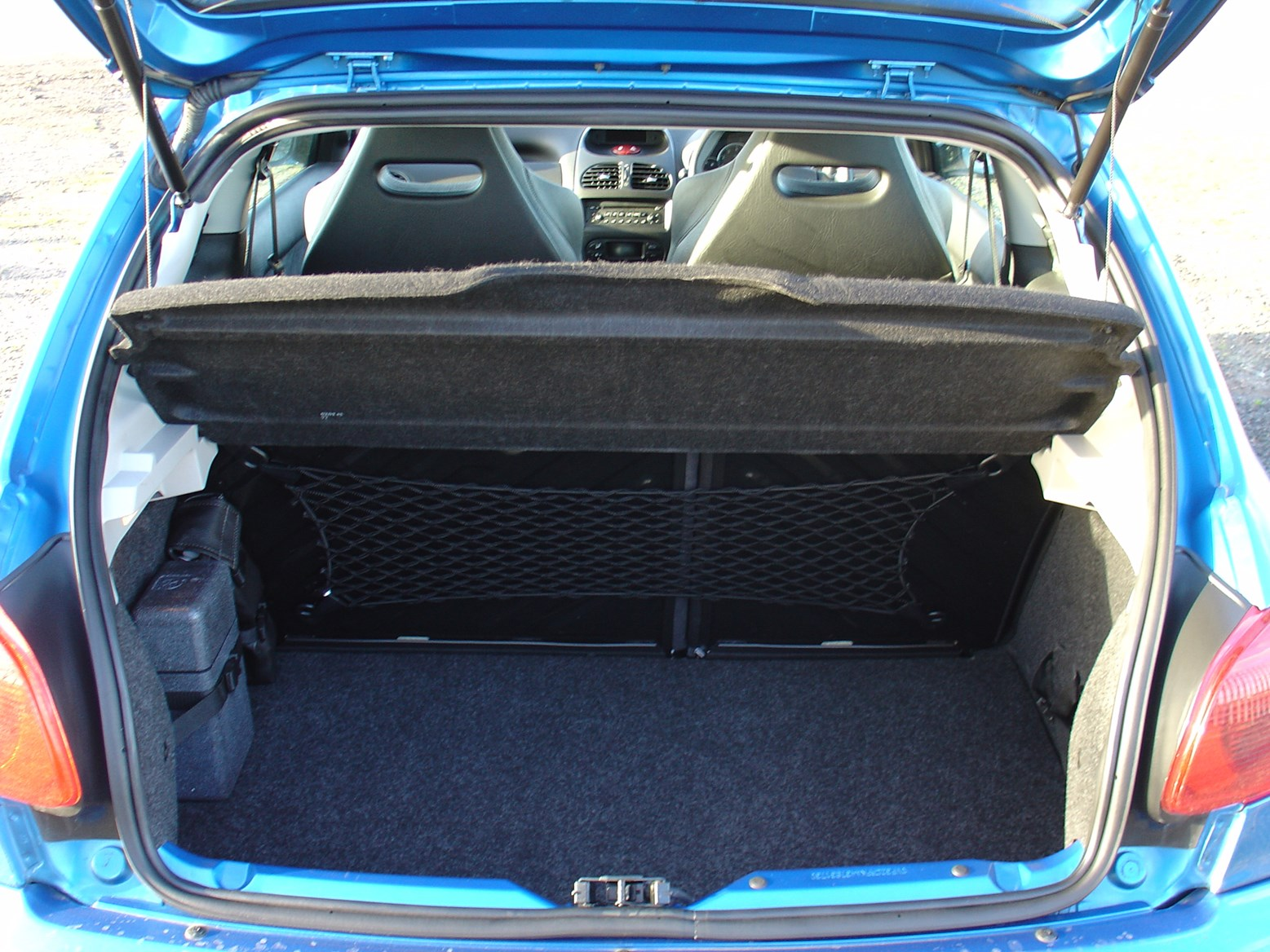 peugeot 206 gti 1999 2006 features equipment and. Black Bedroom Furniture Sets. Home Design Ideas