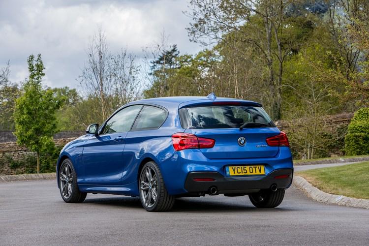 BMW Series Hatchback Review Parkers - Bmw 1 series 3 door price