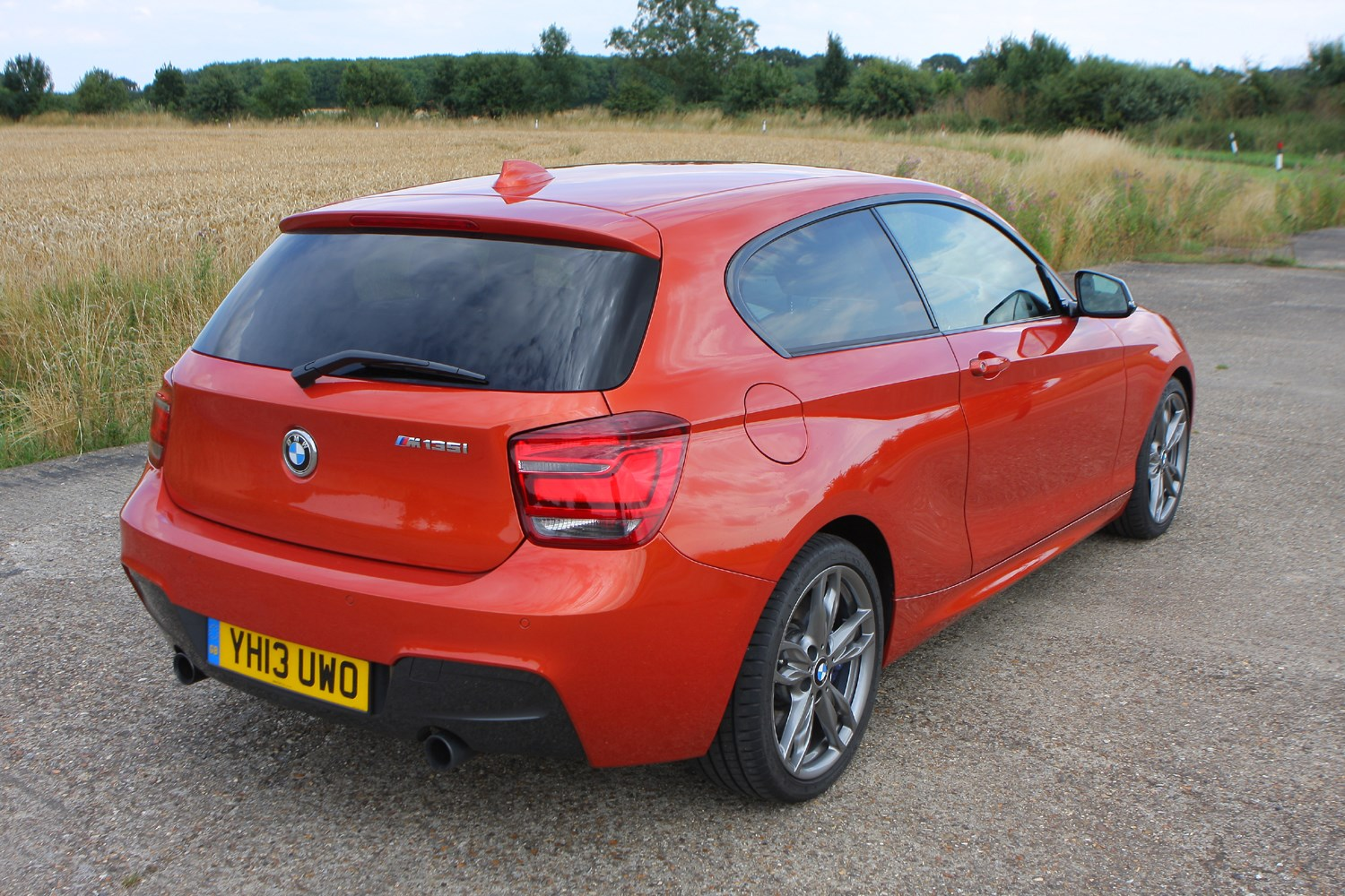 Bmw 1 Series Hatchback 2011 Photos Parkers