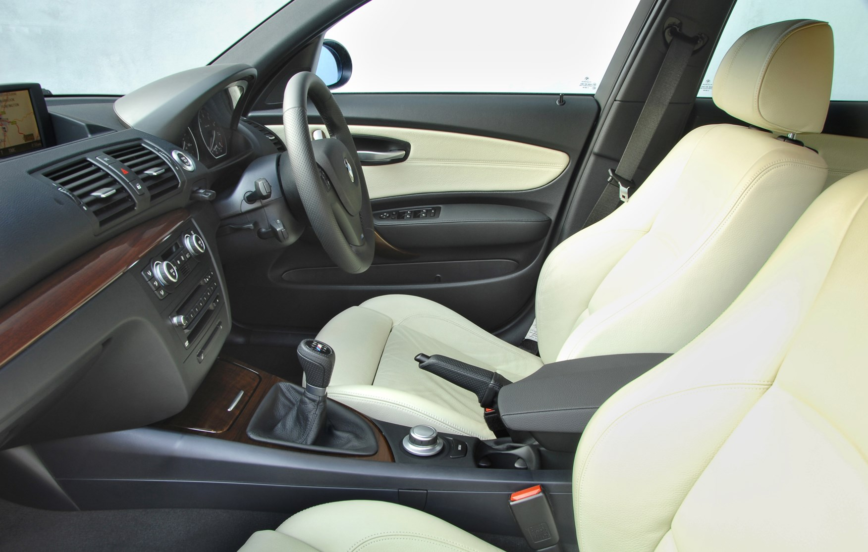 BMW 1-Series Hatchback Review (2004 - 2011)   Parkers