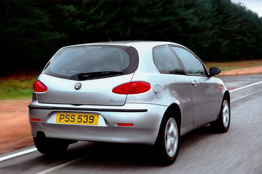 alfa romeo 147 hatchback 2001 2009 driving. Black Bedroom Furniture Sets. Home Design Ideas