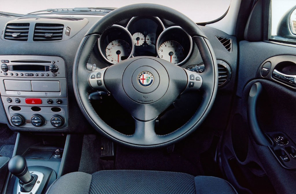 Alfa Romeo 147 Hatchback (2001 - 2009) Driving & Performance | Parkers