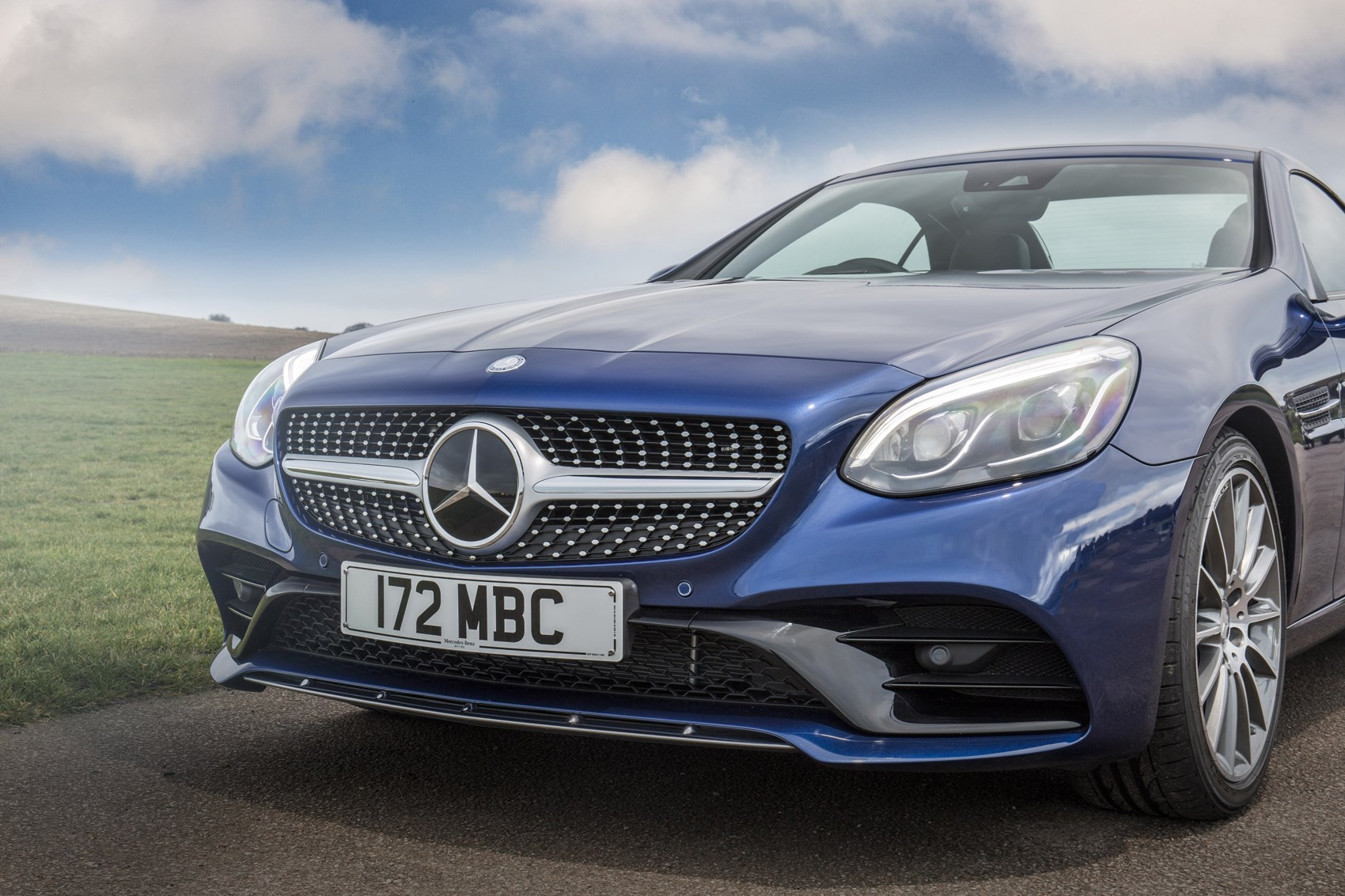 Mercedes benz slc class convertible 2016 photos parkers for Mercedes benz detailing