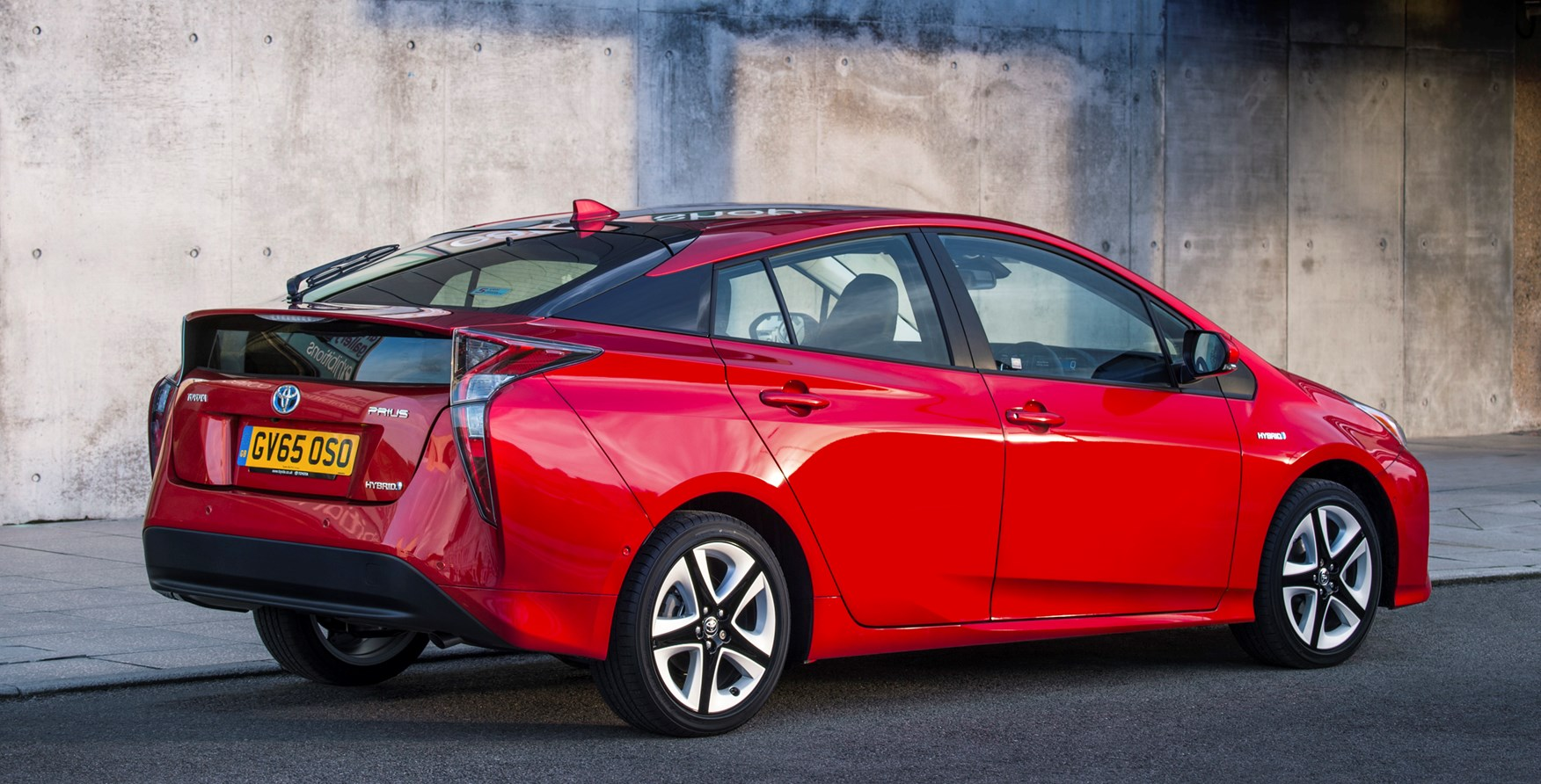 Toyota Company Latest Models >> Toyota Prius Hatchback (2015 - ) Photos | Parkers