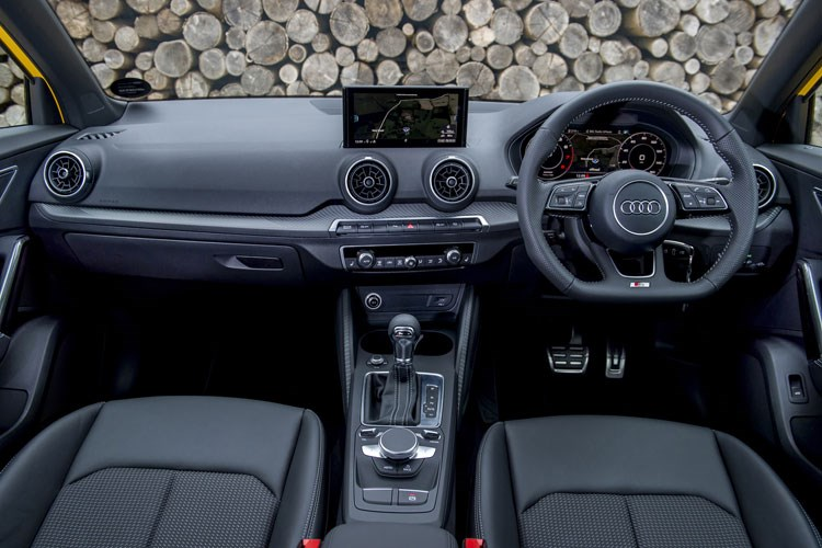 2019 Audi Q2 dashboard