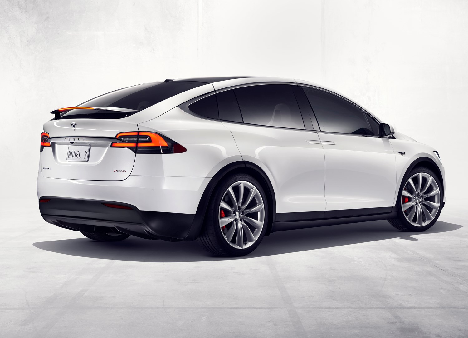tesla model x suv 2016 photos parkers. Black Bedroom Furniture Sets. Home Design Ideas