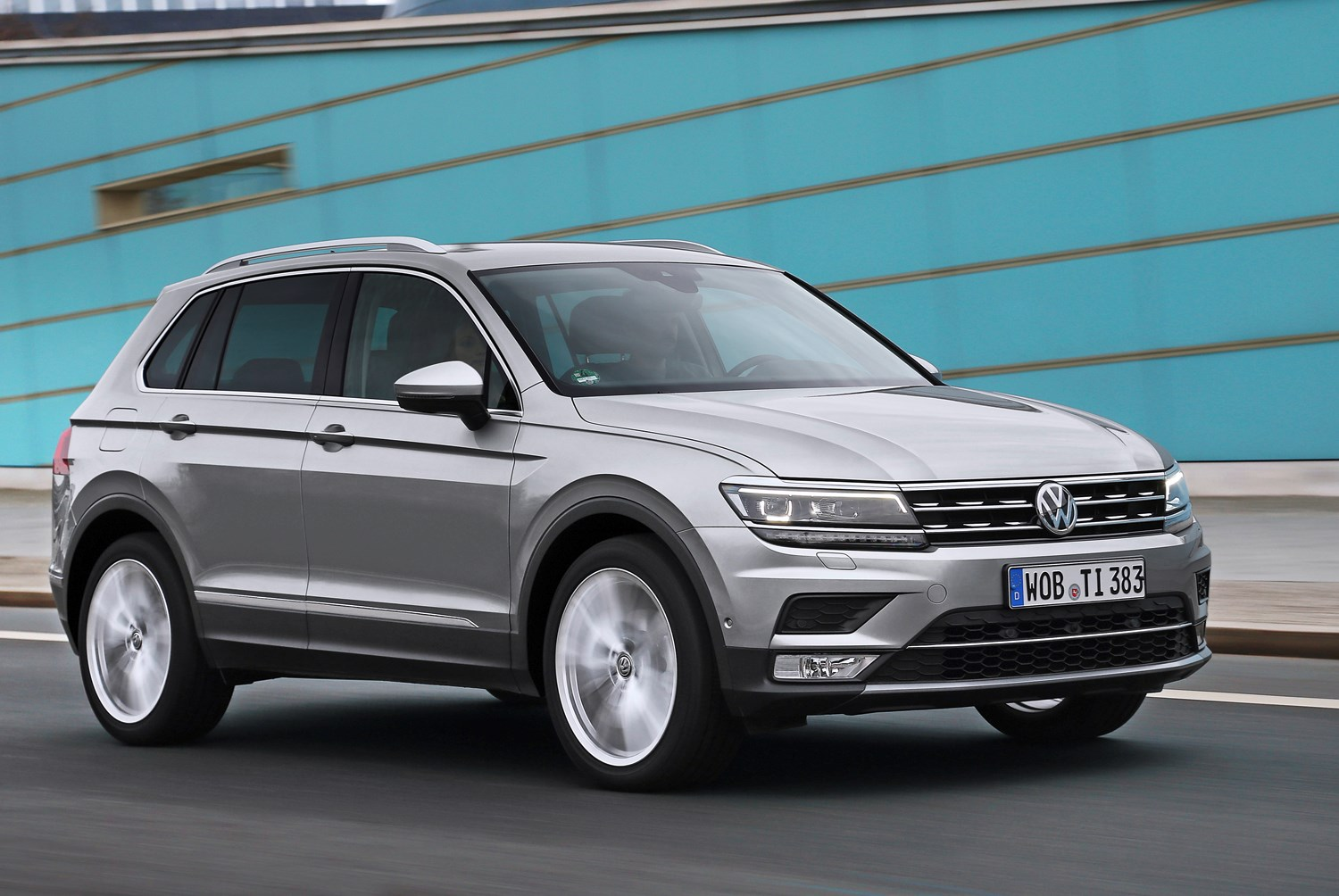 volkswagen tiguan estate 2016 photos parkers. Black Bedroom Furniture Sets. Home Design Ideas