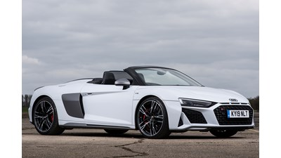 Audi R8 Spyder Carbon Black V10 Performance 620PS Quattro S Tronic auto 2d