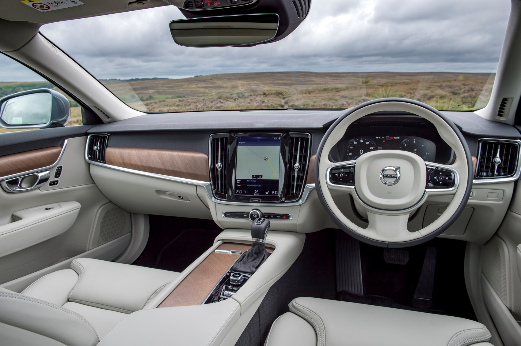 Volvo S90 Saloon Review 2016 Parkers