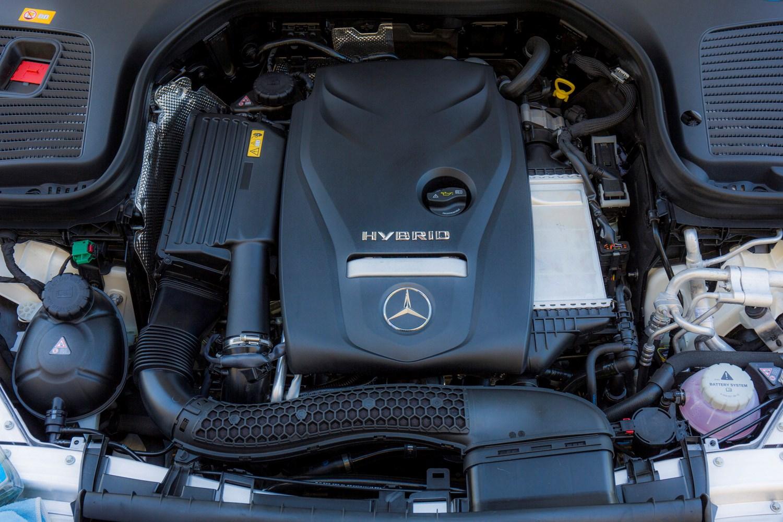 「GLC 250 coupe engine」的圖片搜尋結果