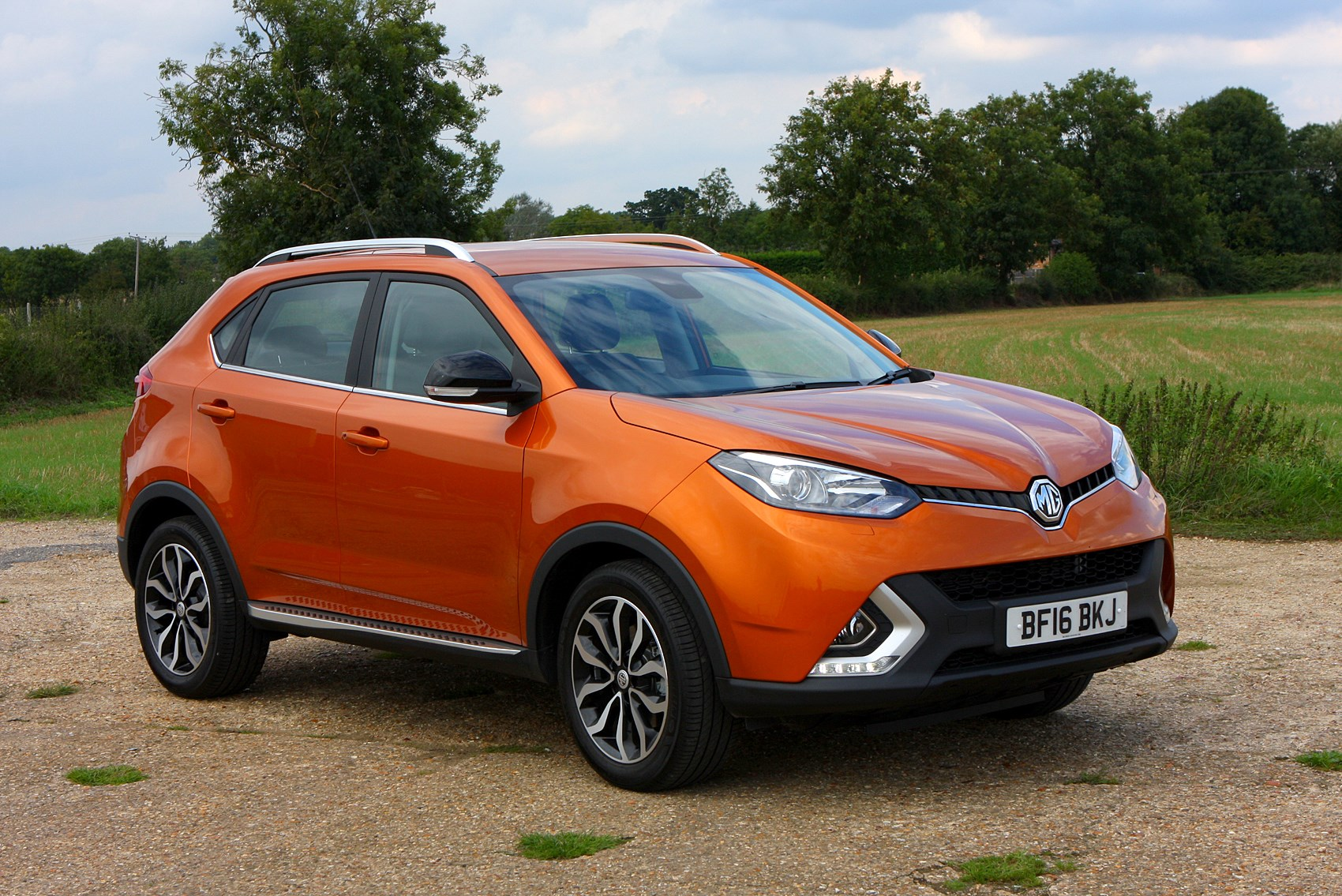 Mg Gs Suv 2016 Photos Parkers