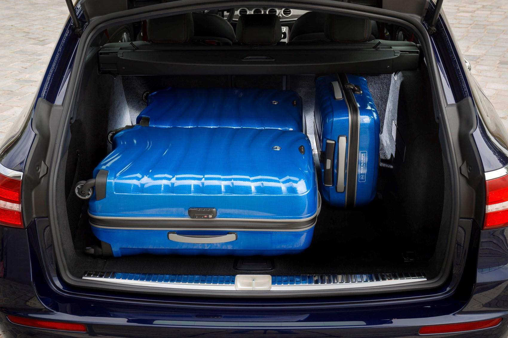 Mercedes benz e class estate review 2016 parkers for Mercedes benz suitcase