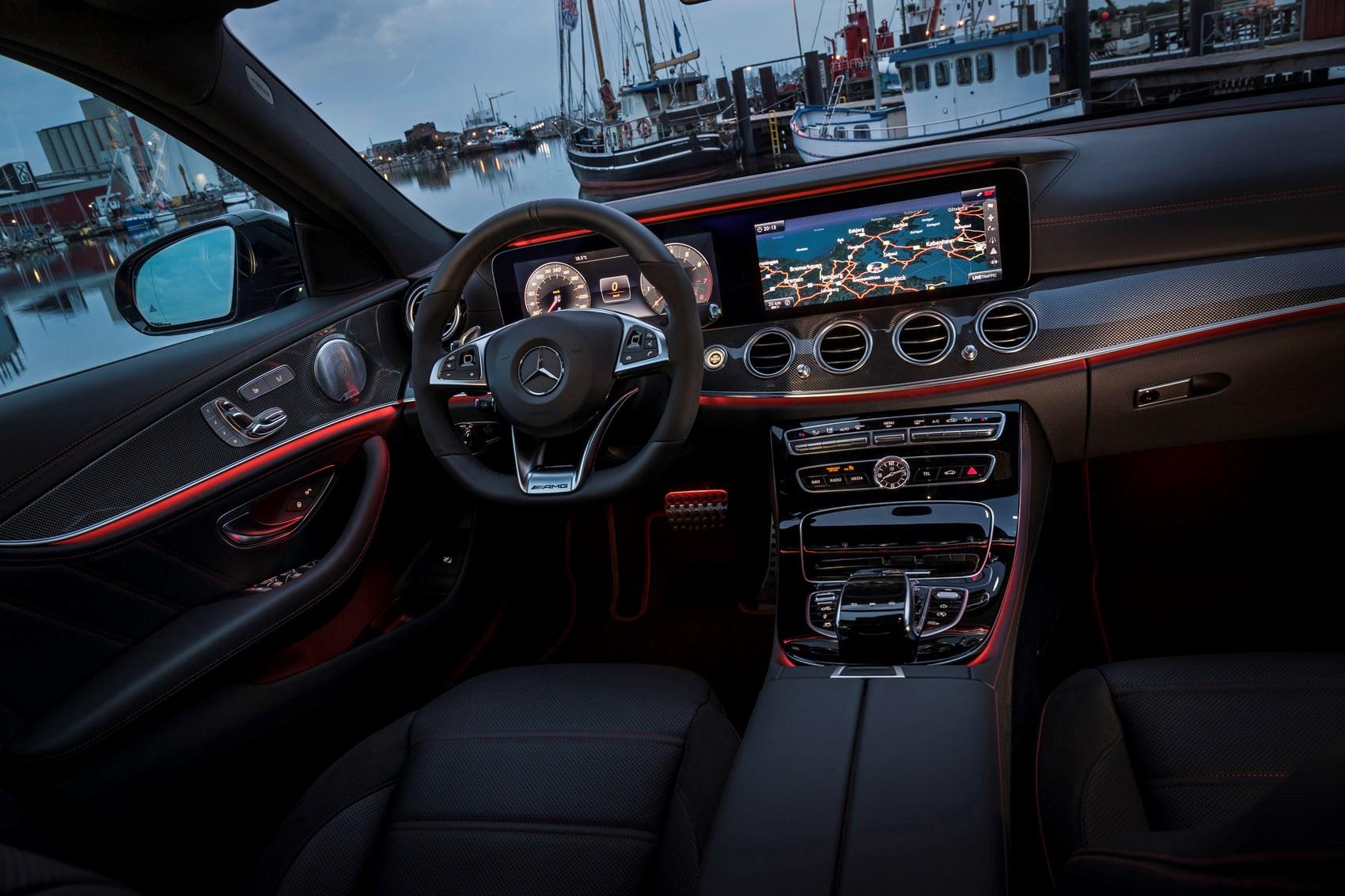 Mercedes benz e class estate review 2016 parkers for Mercedes a klasse amg interieur