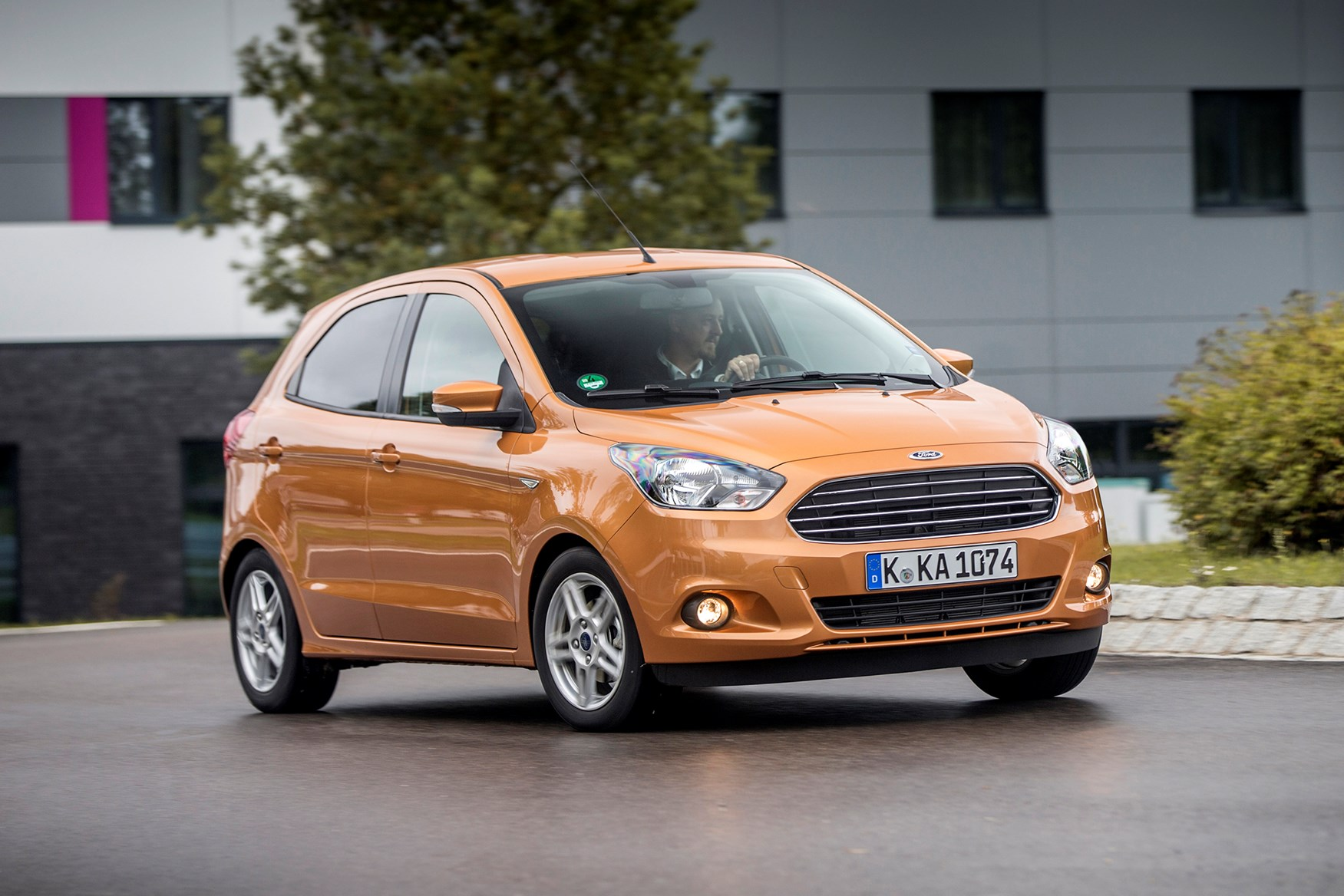 ford ka plus 2016 driving performance parkers. Black Bedroom Furniture Sets. Home Design Ideas