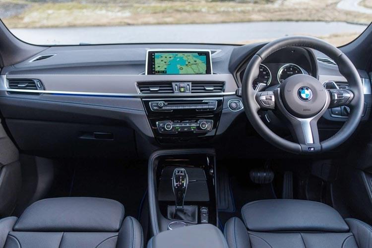 2017 BMW X2 dashboard