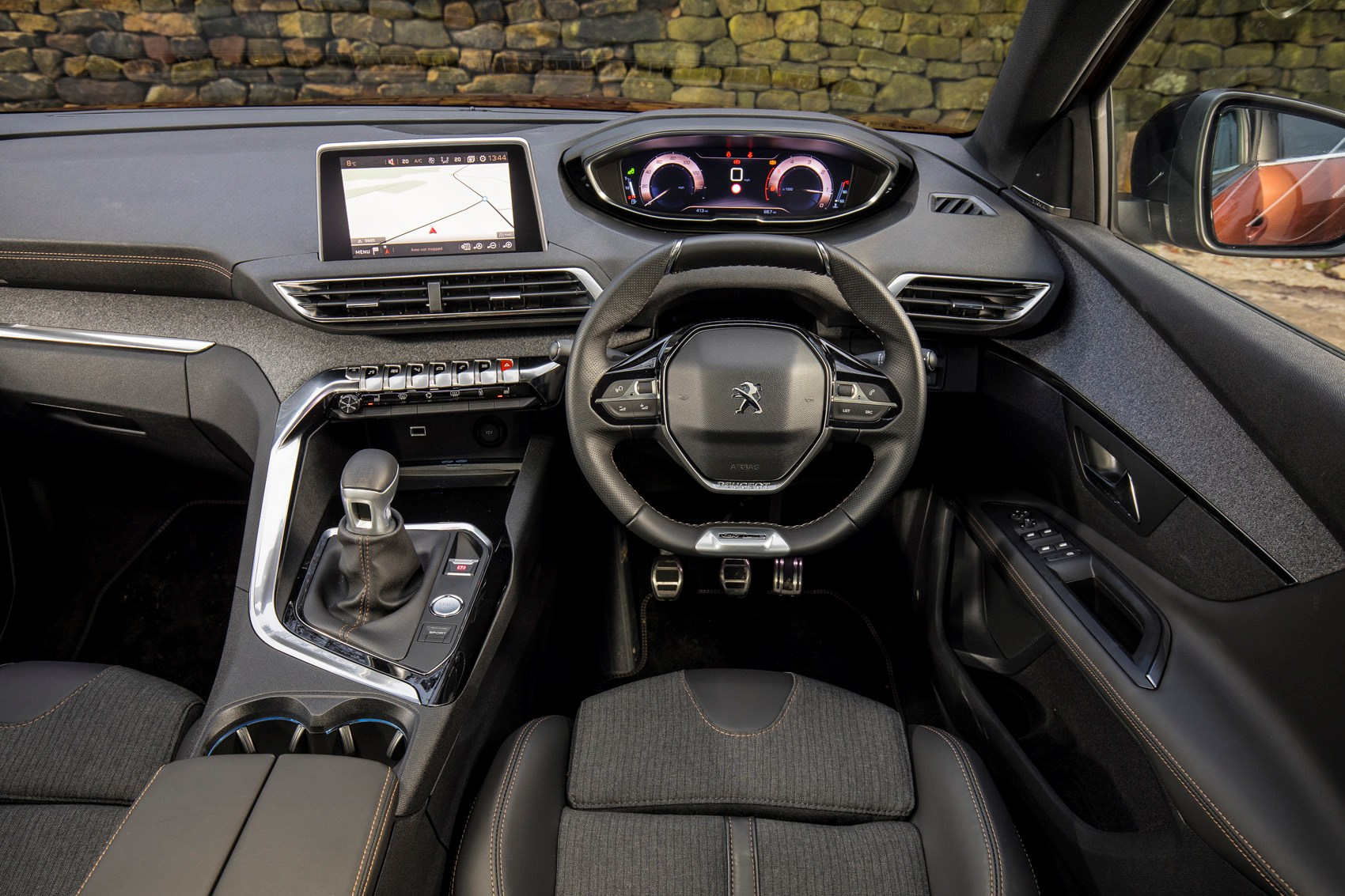 Suv Cars Uk >> Peugeot 3008 SUV Review (2016 - ) | Parkers