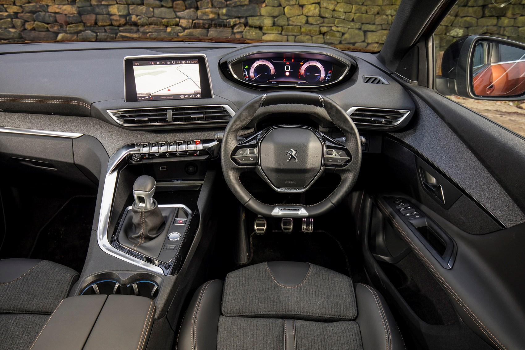 Door suv autos post for Peugeot 3008 interior