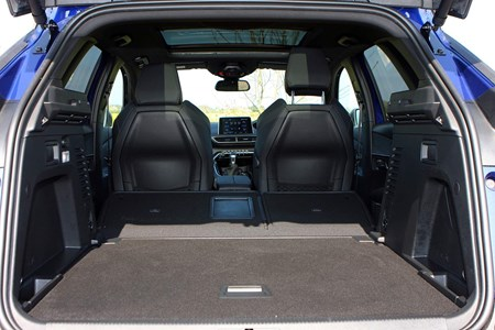 Peugeot 3008 2019 Practicality Boot Space Dimensions Parkers